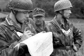 Soldati di una Feldgendarmerie Luftwaffe